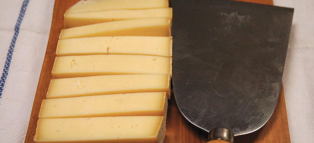 tagliare i formaggi
